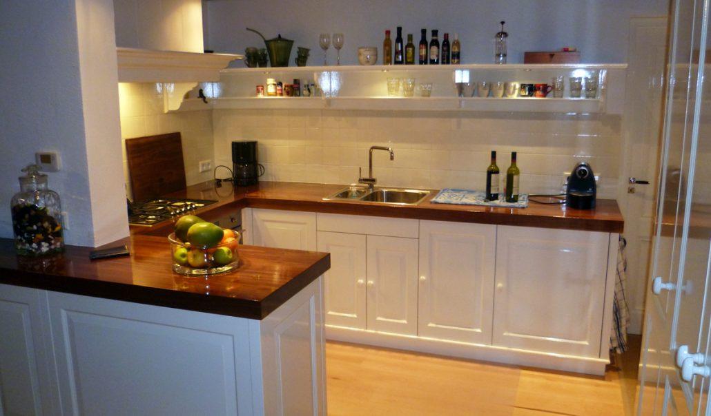 Keuken op maat verbouwen renoveren door timmerman - Keuken op het platteland ...